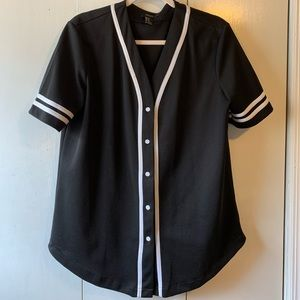 Black and White Plain Sports Jersey